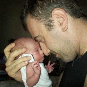 Osp. Niguarda: pubblicati gli scatti con i primi momenti tra neonati e i loro papà