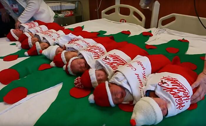 I neonati del mese di dicembre dell'ospedale di San Antonio dormiranno in una calza natalizia