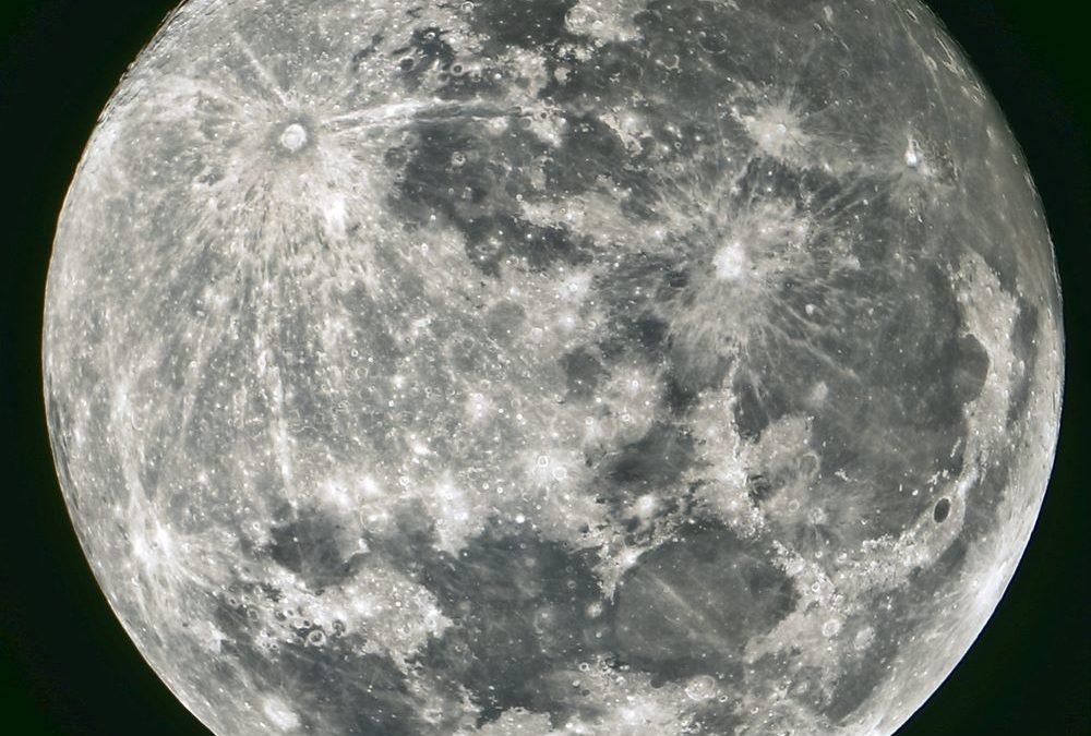 La luna: è l'unico satellite naturale della Terra
