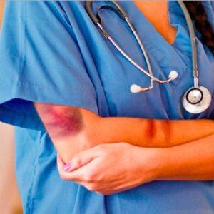 Violenza sugli infermieri: uno studio analizza le cause
